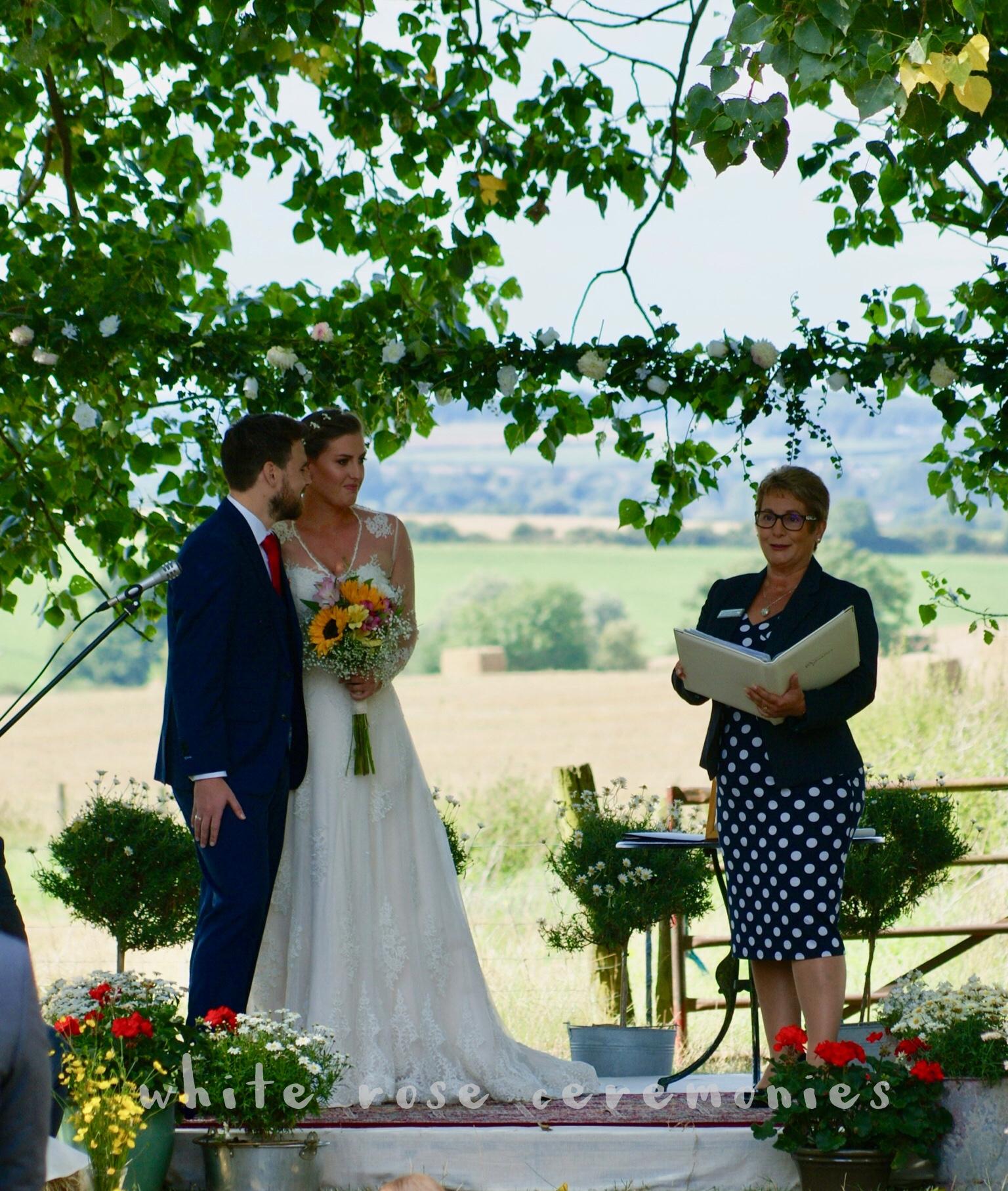 Outdoor Wedding Ceremony, perfect ceremony location, hay bales, celebrant, White Rose Ceremonies, Rebecca Waldron, creating memories, your perfect wedding ceremony